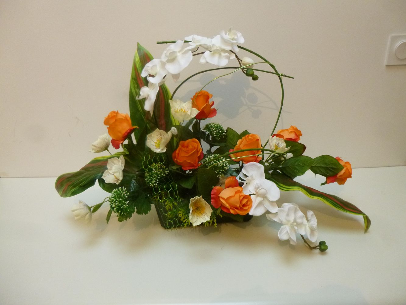 Composition Moderne Orange Fleurs Artificielles