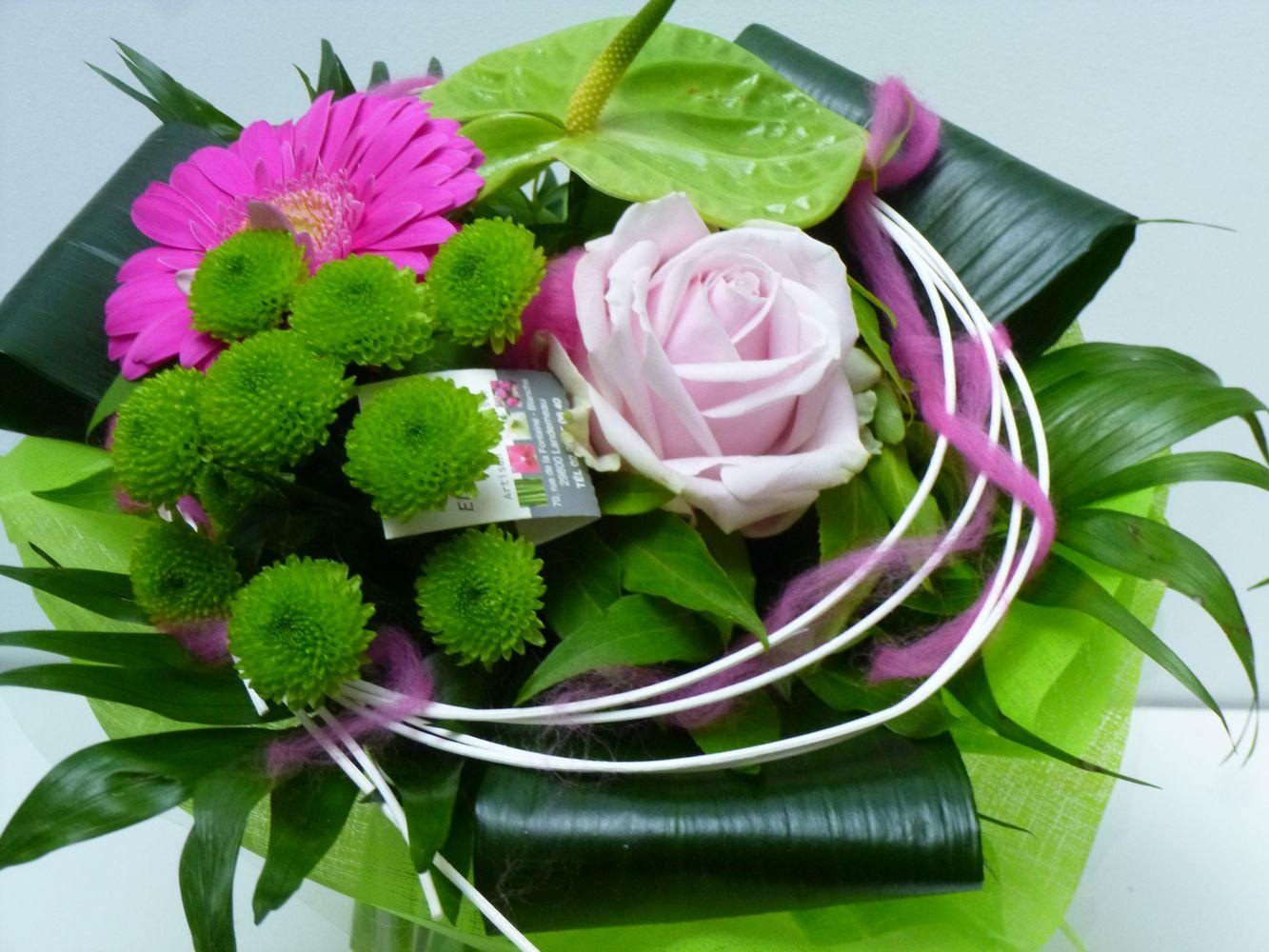 Bouquet rond bulle d 39 eau l 39 aulne landerneau vers for Offrir des fleurs par internet